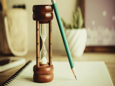 Hourglass pencil notepad